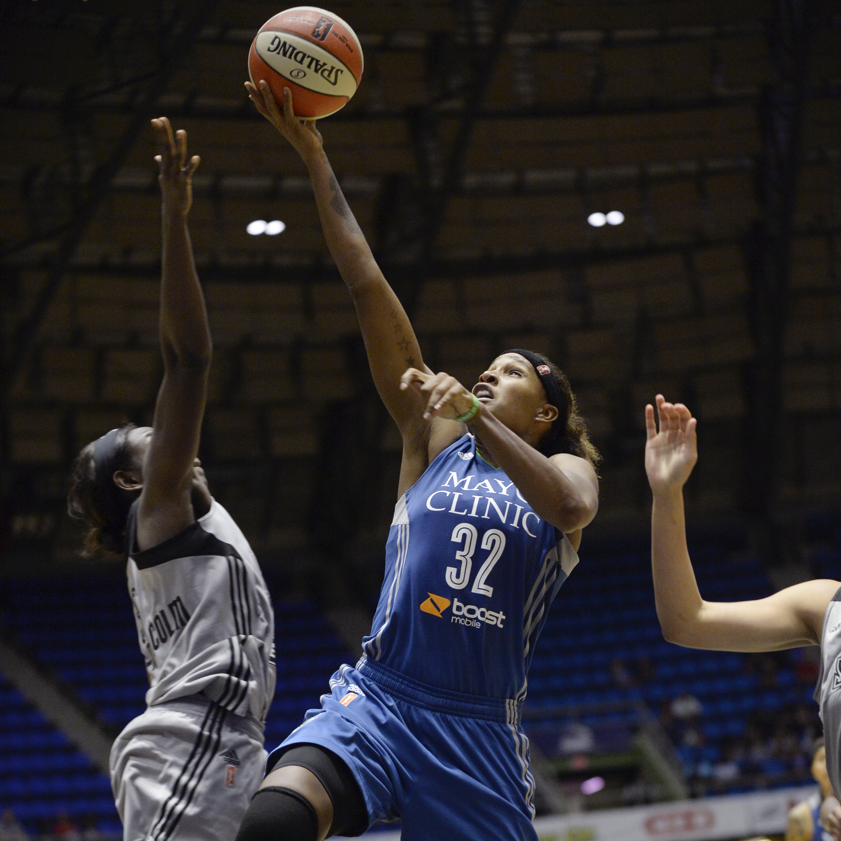 Lynx forward Rebekkah Brunson had a great game on Friday night, scoring 12 points and grabbing nine rebounds.