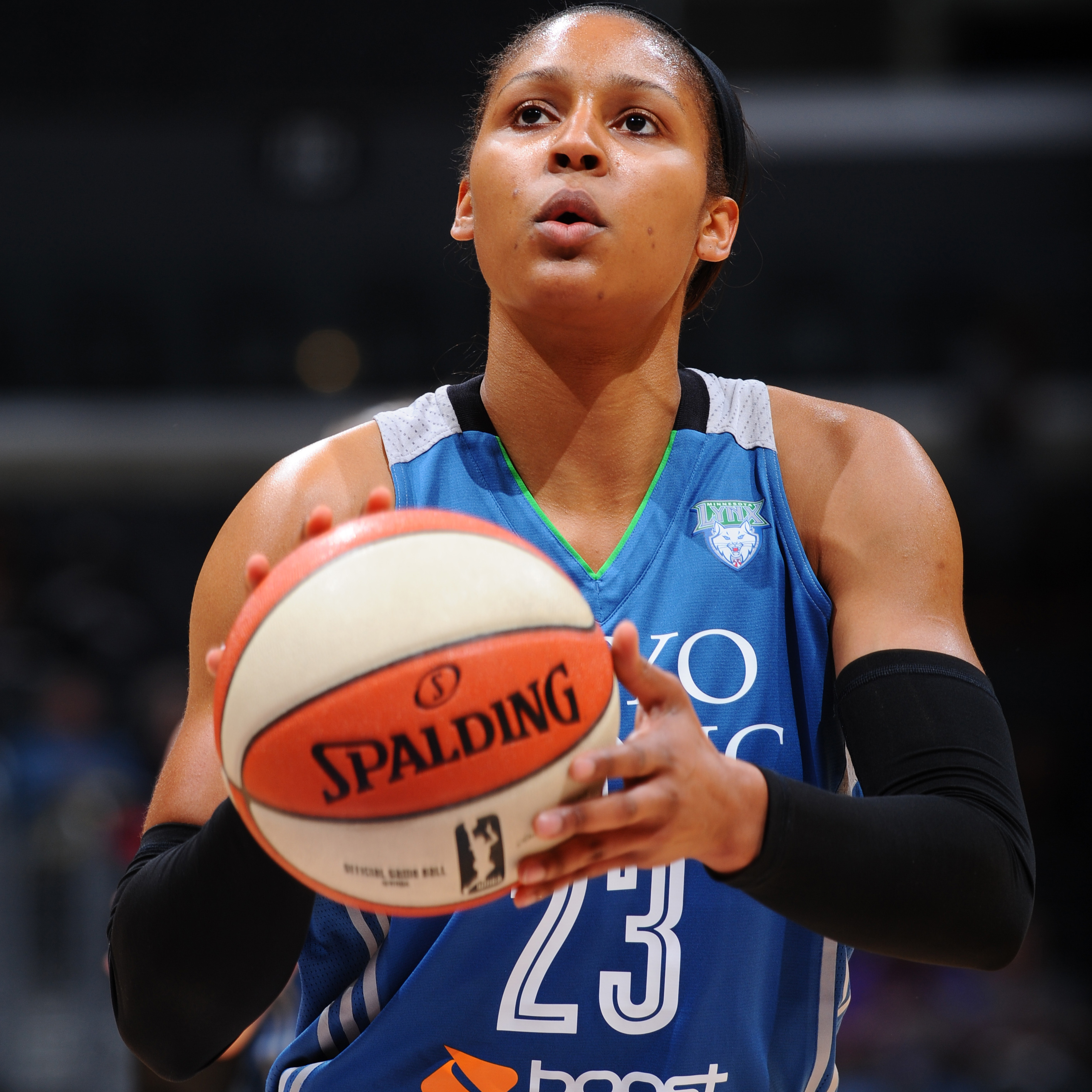 Maya Moore had a solid performance in the Lynx win over the Sparks, scoring 22 points to go with four rebounds and four assists.