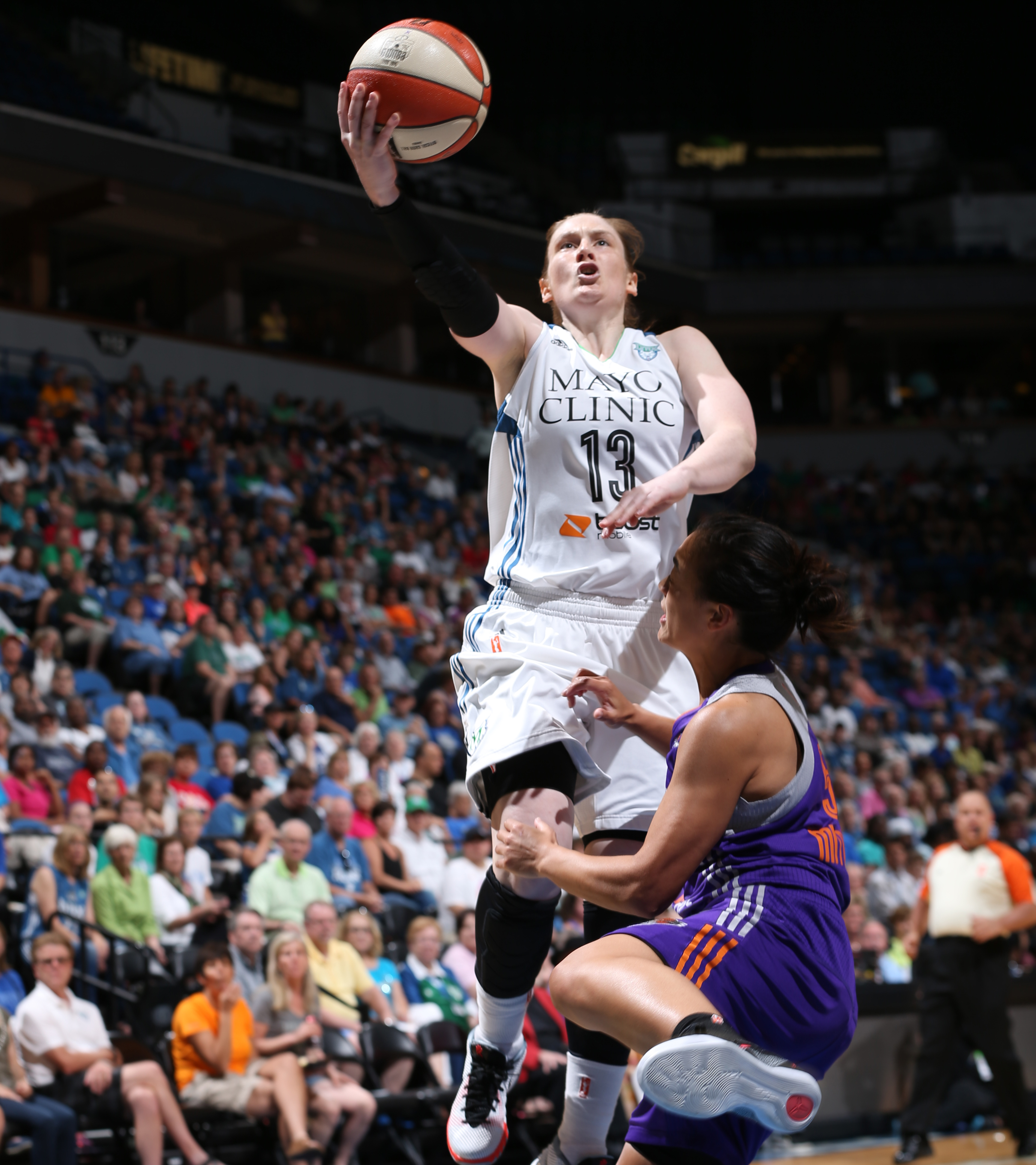 After struggling the last few games, Lynx guard Lindsay Whalen had a great game against Phoenix, scoring 21 points while adding four rebounds and three assists.
