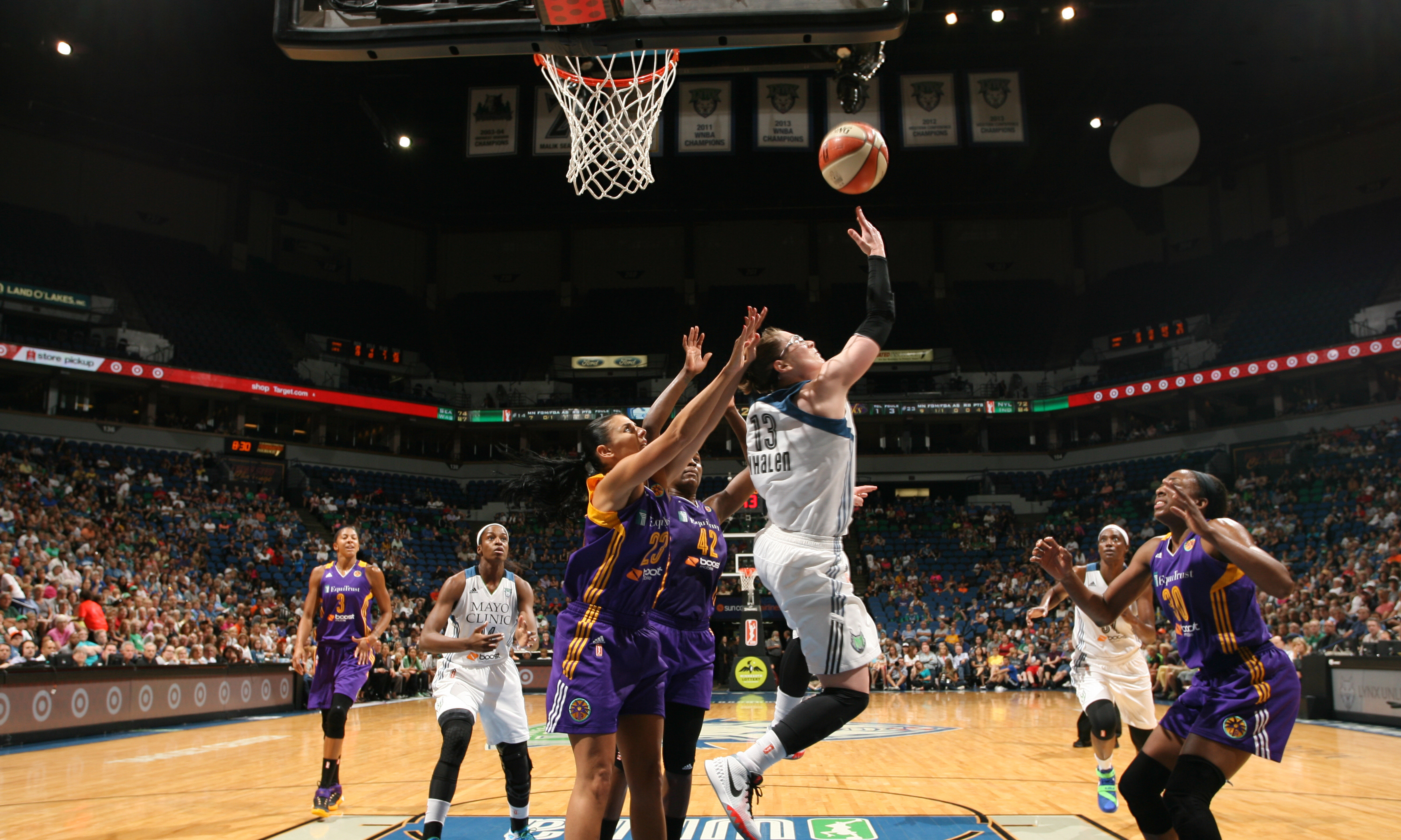 Lynx guard Lindsay Whalen was making crazy plays all night against the Sparks, finishing with 24 points and six assists in the Lynx win.