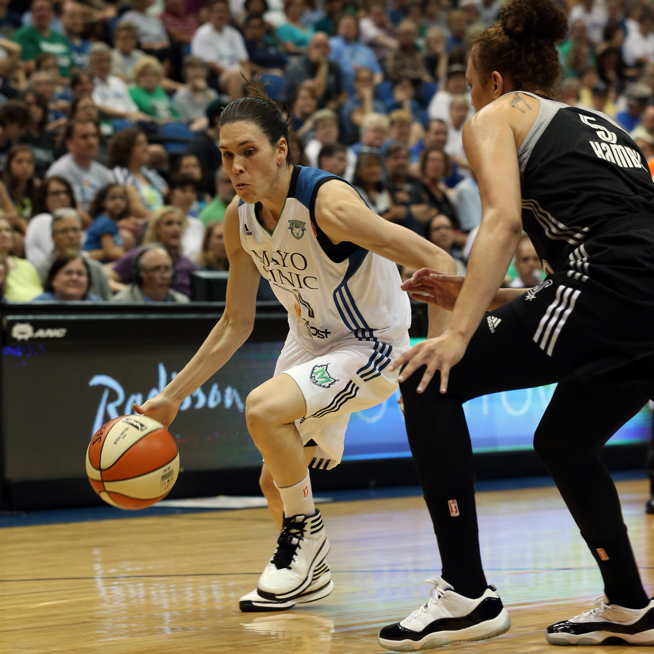 Lynx guard Anna Cruz proved just how valuable she is going to be all season long, providing quality minutes on both ends of the floor and giving the starters some great rest. Cruz finished with two points, seven rebounds and three assists in over 25 minutes of play off the bench.
