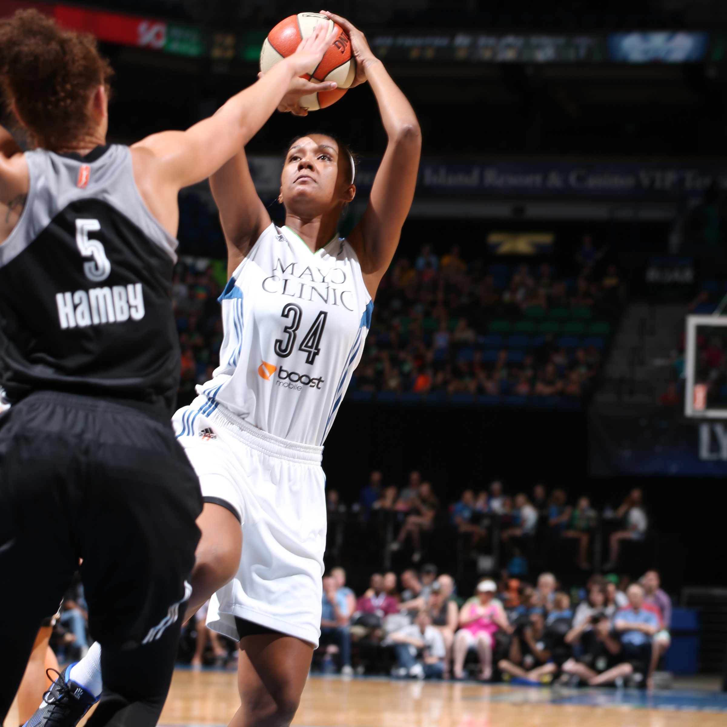 Keeping with the trend of solid bench performers for the Lynx, center Damiris Dantas pitched in nine points and four rebounds.