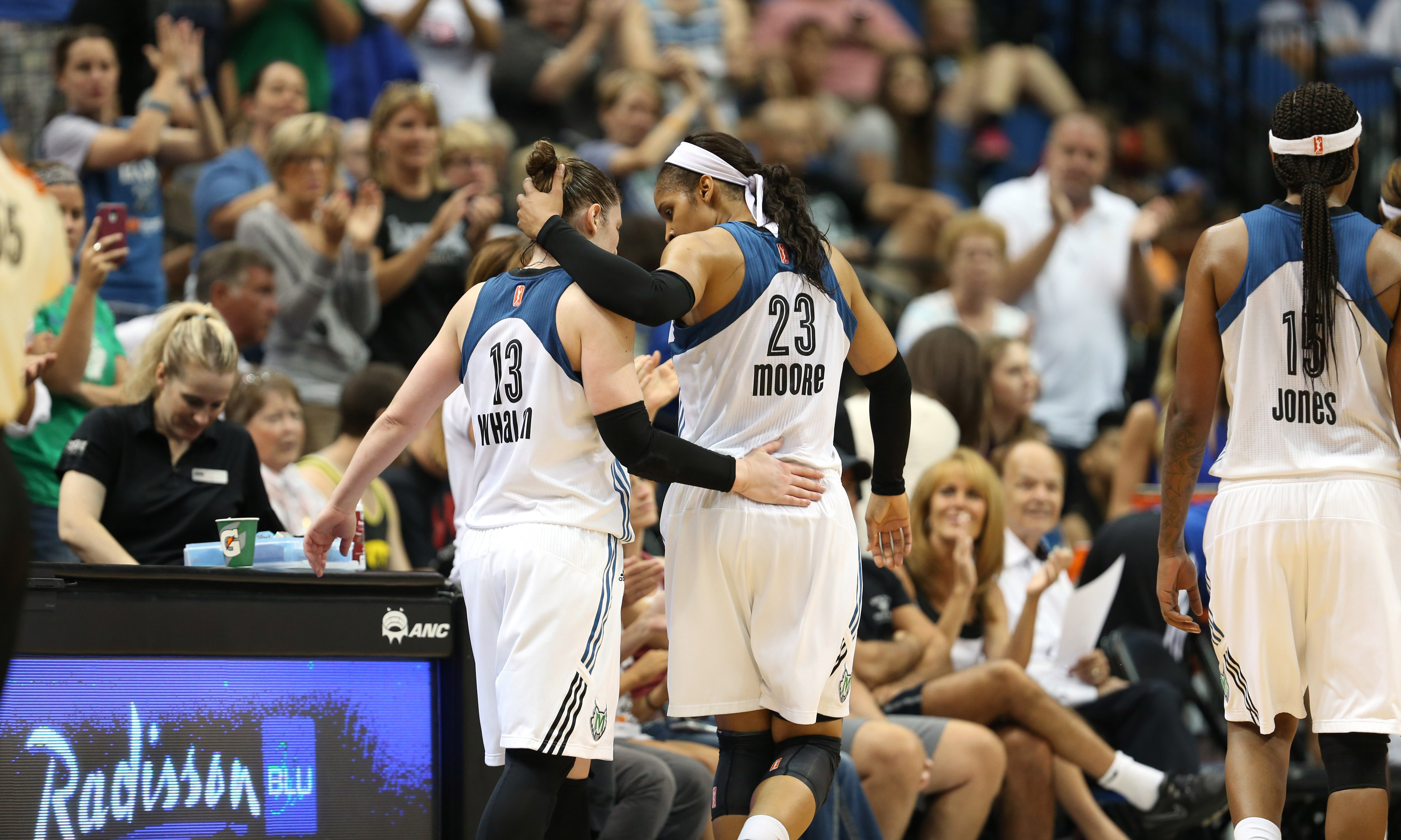The Lynx were all smiles as they won their third-straight game and put an end to the Sky's four-game winning streak, beating Chicago 84-66.