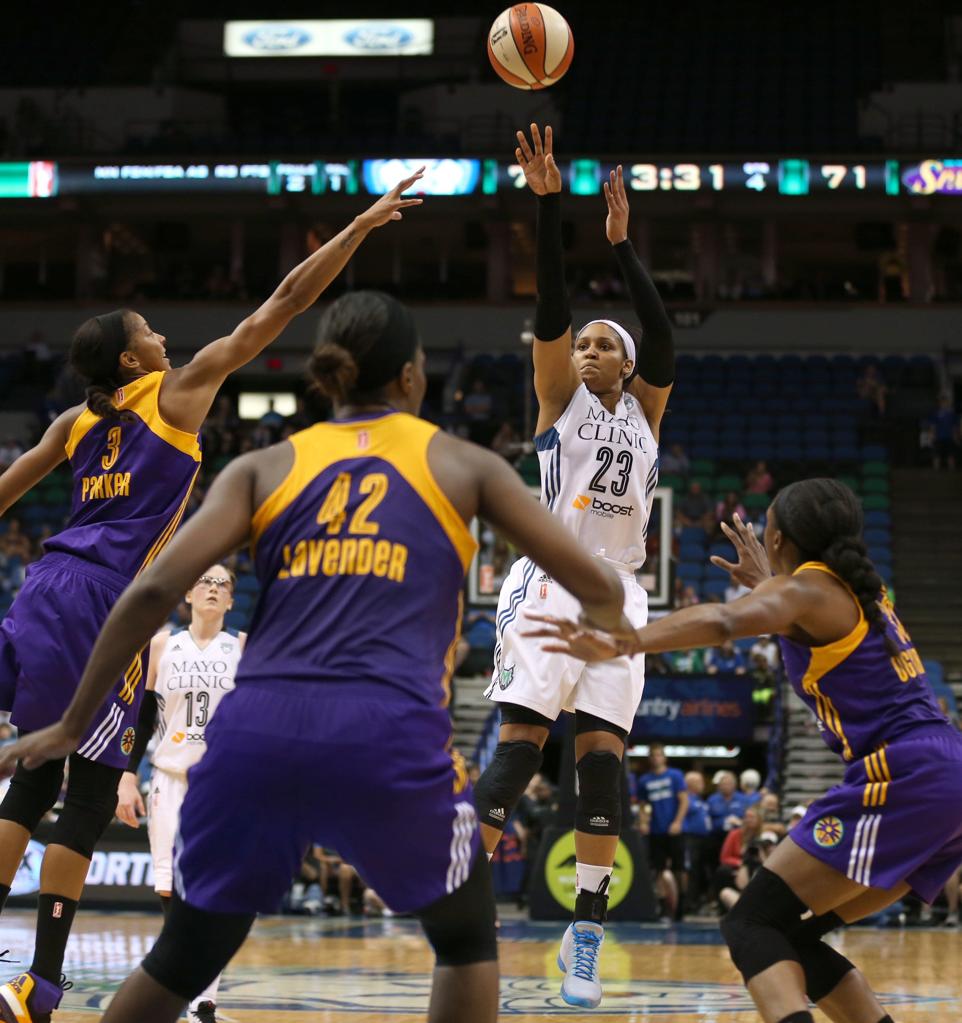 With 27 points against Los Angeles, Maya Moore extended her franchise-record 20+ points scoring streak to nine straight games. Moore entered the game averaging 25.6 points, 8.4 rebounds and 4.5 assists in her previous eight games.