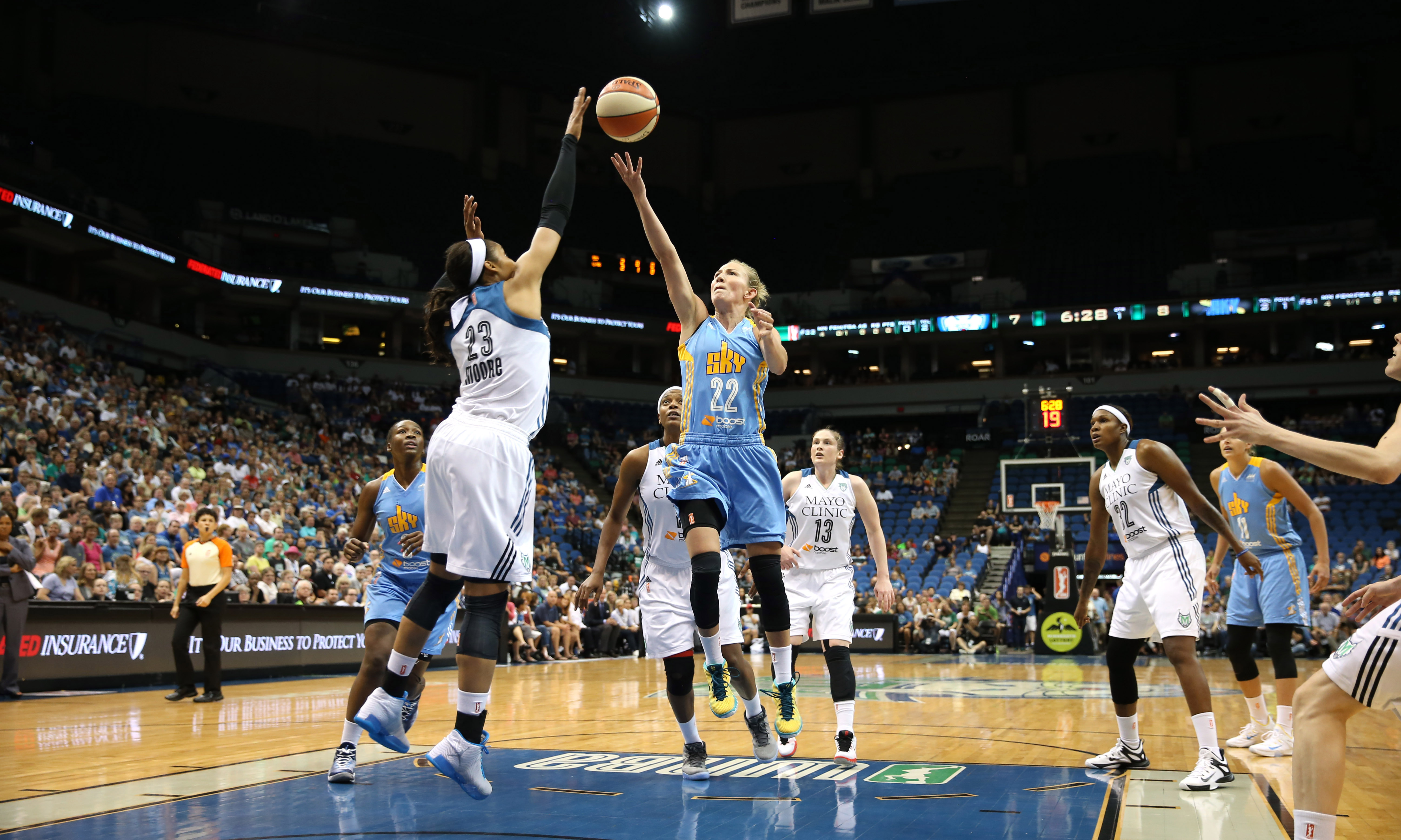 Sky guard Courtney Vandersloot simply could not get her offense going against a stingy Lynx defense. Vandersloot finished with just six points on 3-of-8 shooting to go with just three assists.