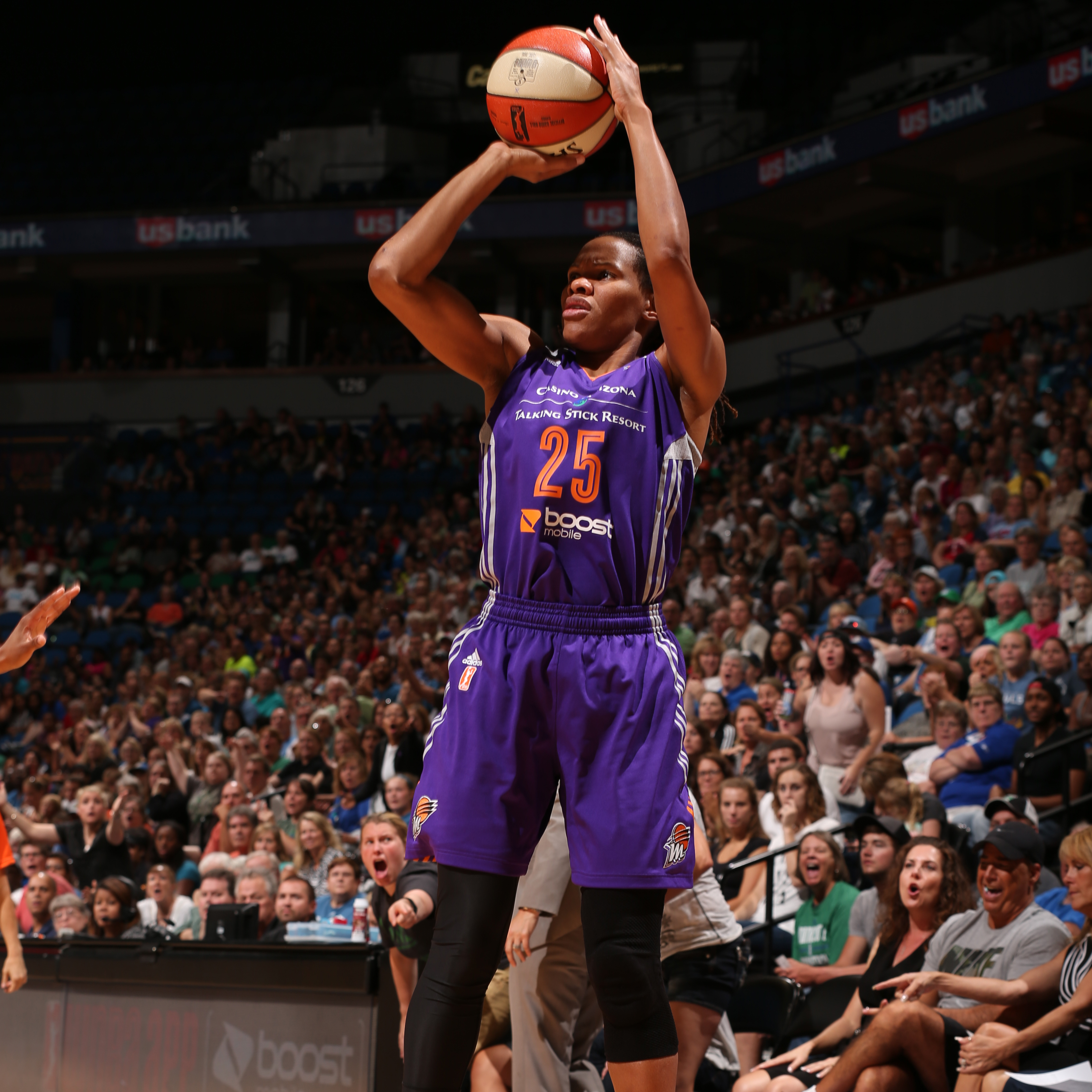 Forward Monique Currie  had a quiet night against the Lynx, finishing with just seven points in 14 minutes of play.