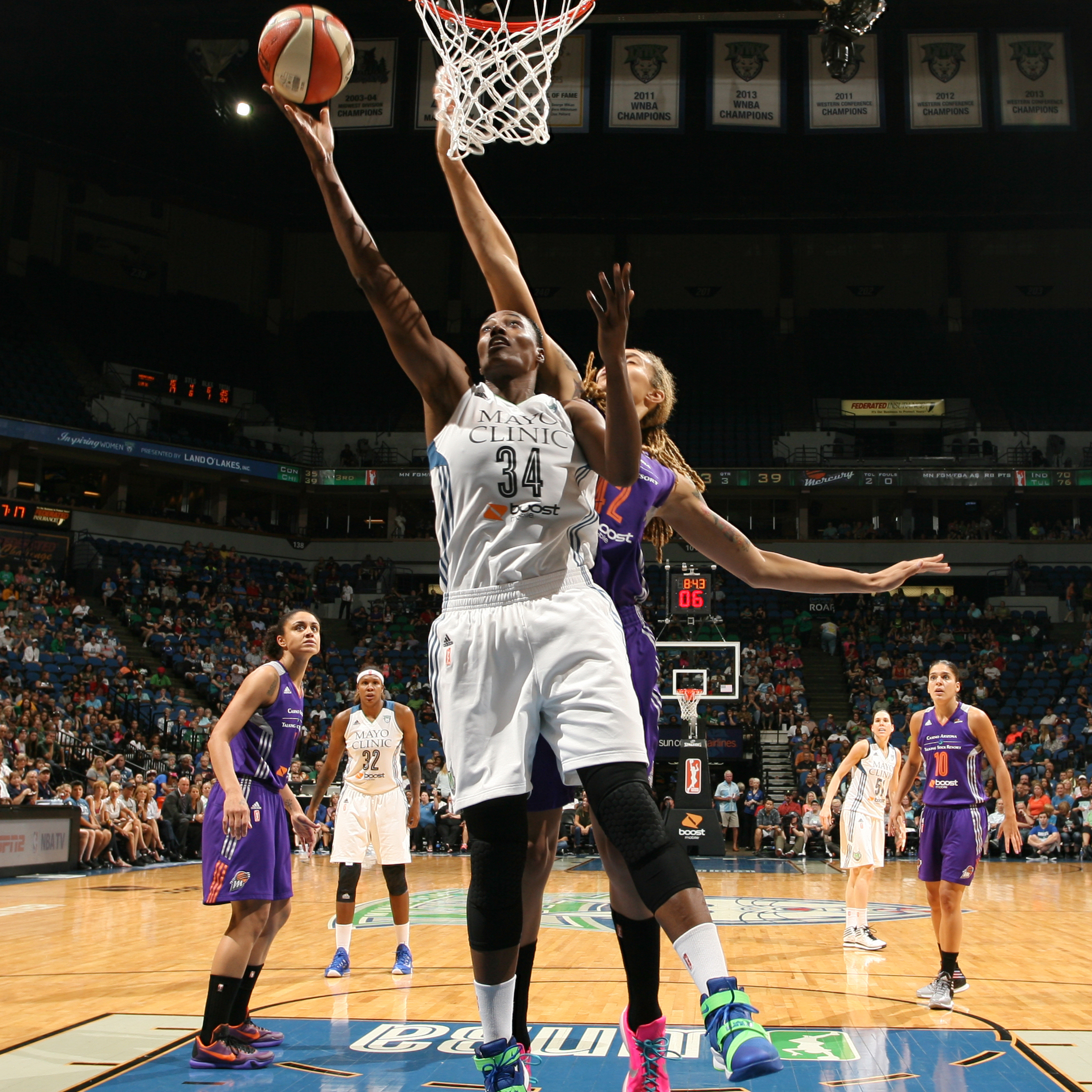 Lynx center Sylvia Fowles notched another double-double, finishing with 14 points, 13 rebounds and two blocked shots.