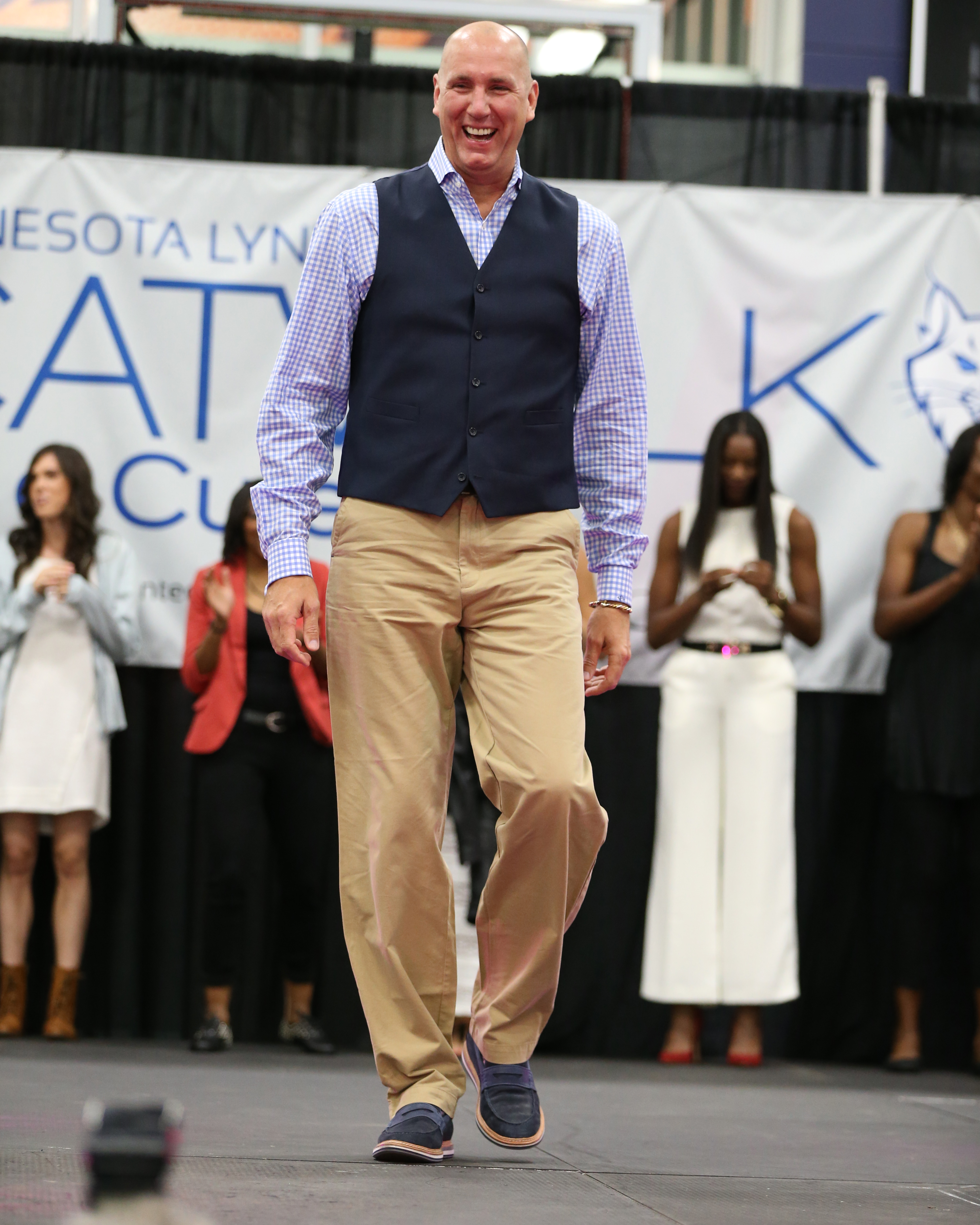 Lynx assistant coach Jim Petersen