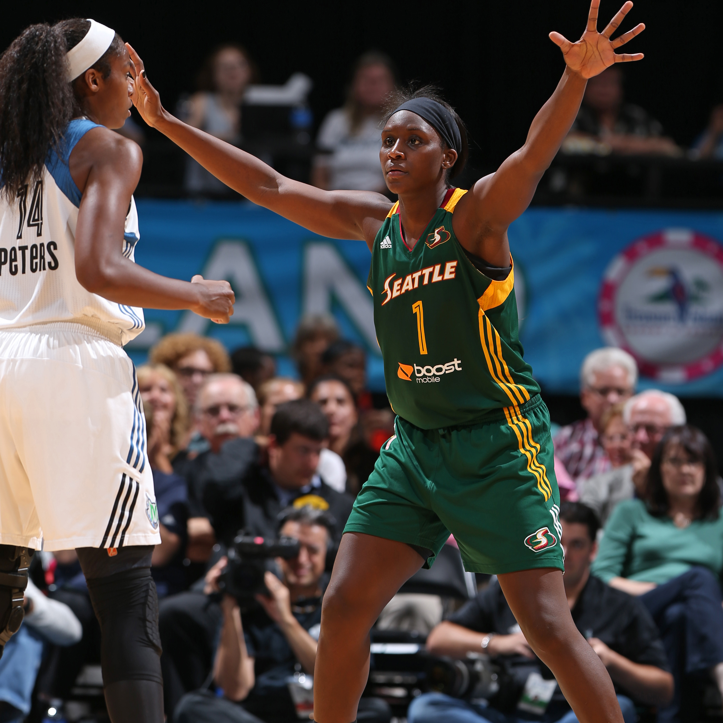 Center Crystal Langhorne led the way for Seattle, finishing with 14 points, five rebounds, two assists and one blocked shot against Minnesota.