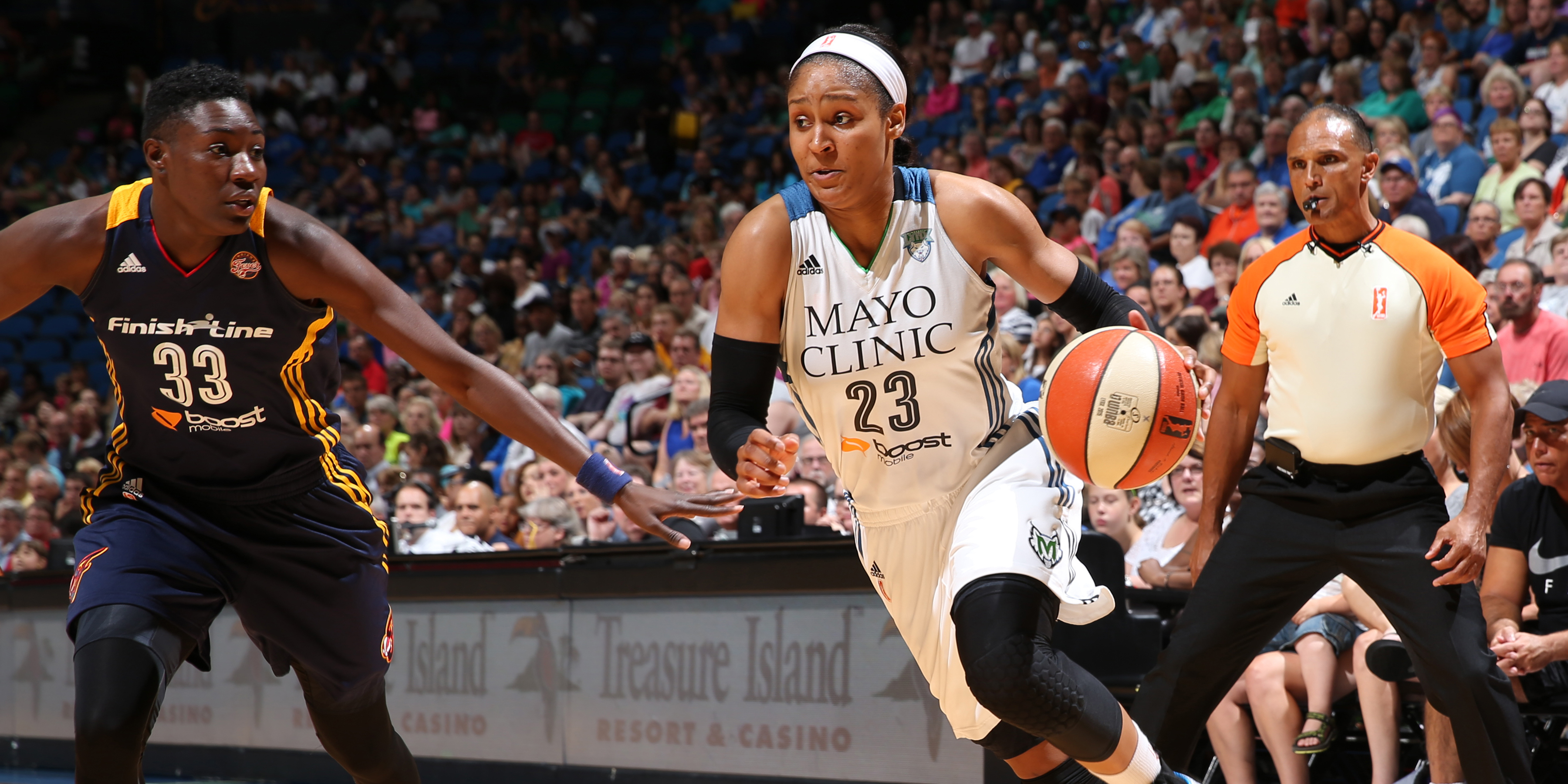 Despite leaving the game near the end of the third quarter due to an incidental elbow to the nose from teammate Sylvia Fowles, Lynx forward Maya Moore still managed to have a good night, finishing with 11 points on 4-of-8 (50  percent) shooting in 23 minutes of play.