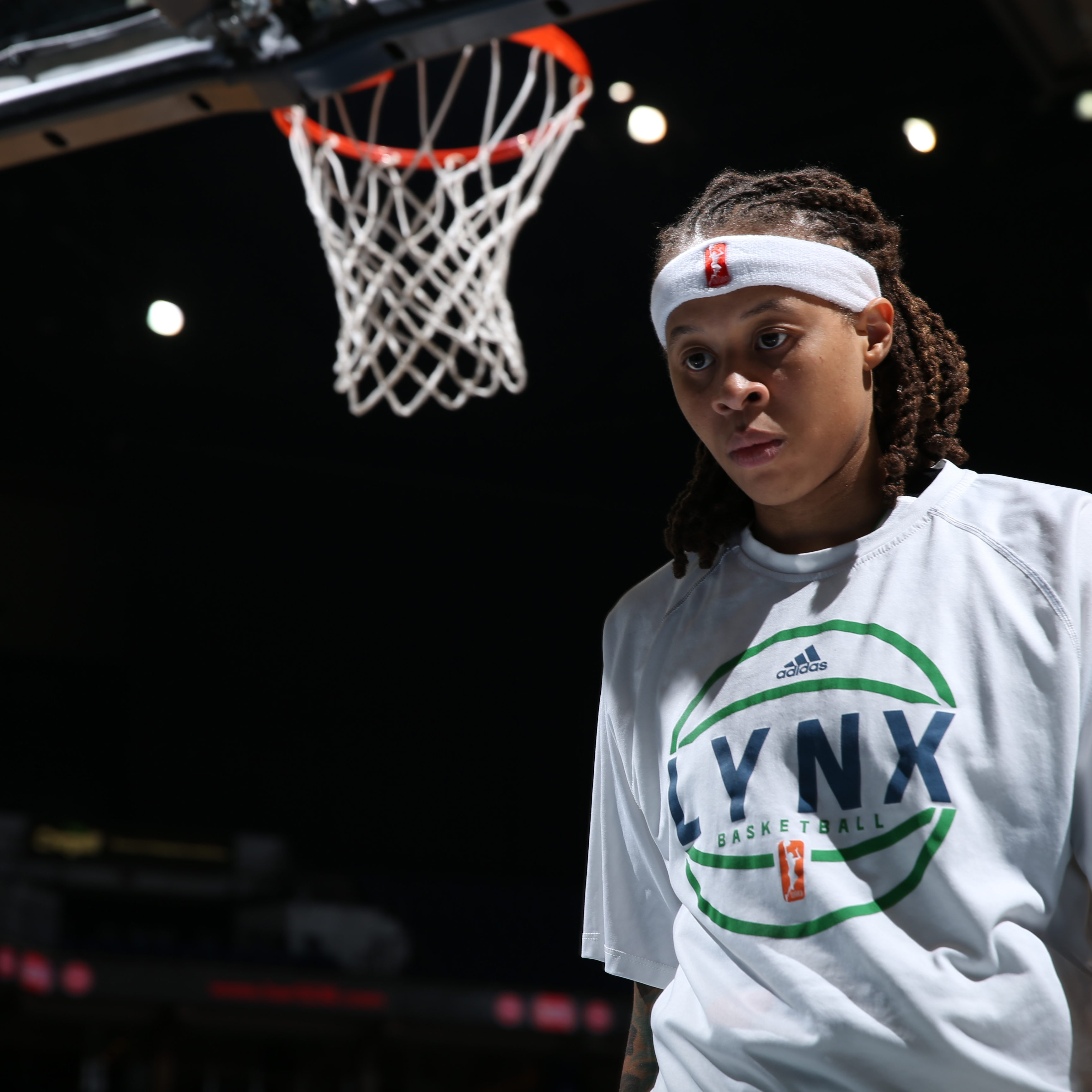 MINNEAPOLIS, MN - SEPTEMBER 18:  Seimone Augustus #33 of the Minnesota Lynx during the national anthem before the game against the Los Angeles Sparks in Game 1 of the 2015 WNBA Western Conference Semifinal on September 18, 2015 at Target Center in Minneapolis, Minnesota.  NOTE TO USER: User expressly acknowledges and agrees that, by downloading and or using this Photograph, user is consenting to the terms and conditions of the Getty Images License Agreement. Mandatory Copyright Notice: Copyright 2015 NBAE (Photo by David Sherman/NBAE via Getty Images)
