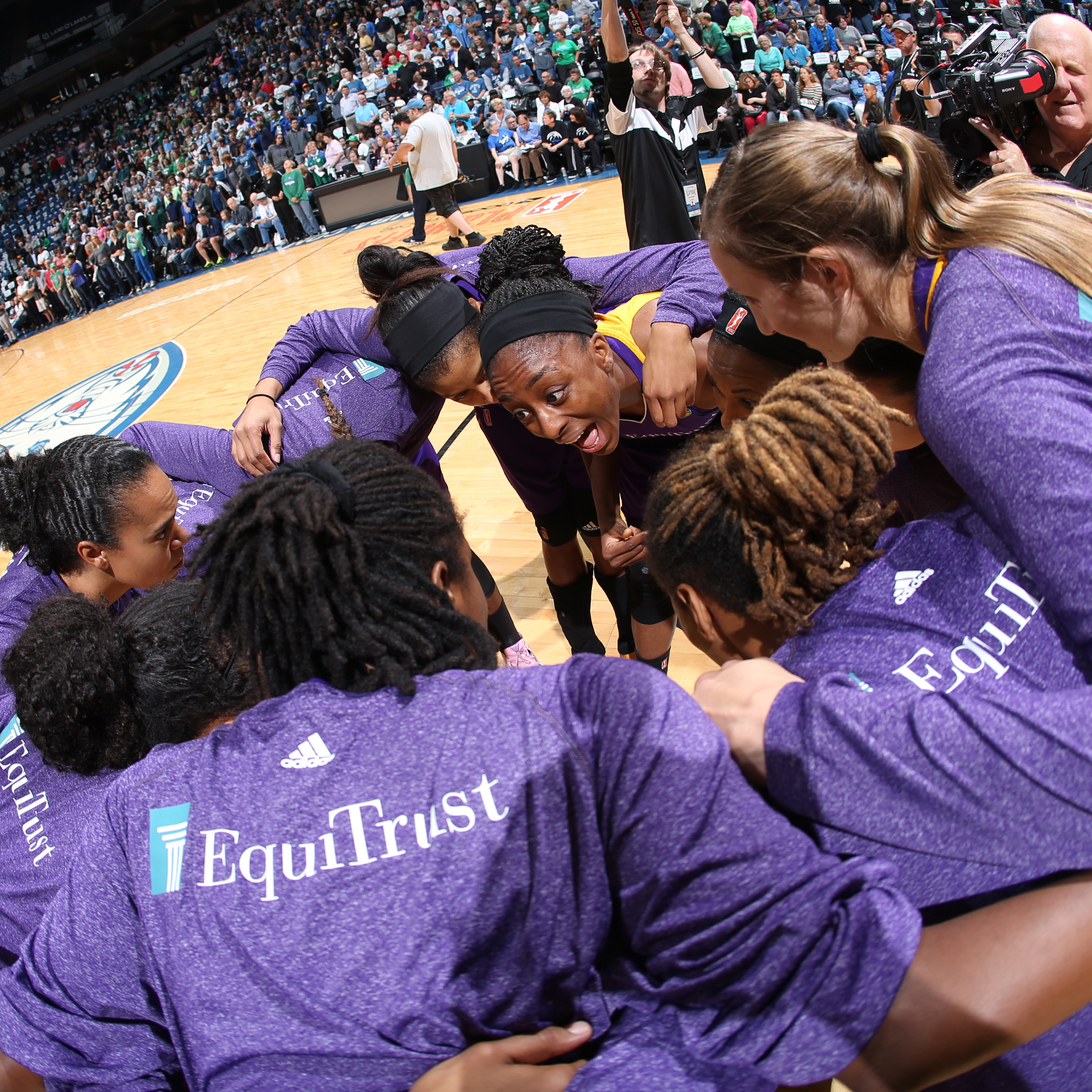 MINNEAPOLIS, MN - SEPTEMBER 18:  The Los Angeles Sparks huddle before the game against the Minnesota Lynx in Game 1 of the 2015 WNBA Western Conference Semifinal on September 18, 2015 at Target Center in Minneapolis, Minnesota.  NOTE TO USER: User expressly acknowledges and agrees that, by downloading and or using this Photograph, user is consenting to the terms and conditions of the Getty Images License Agreement. Mandatory Copyright Notice: Copyright 2015 NBAE (Photo by David Sherman/NBAE via Getty Images)