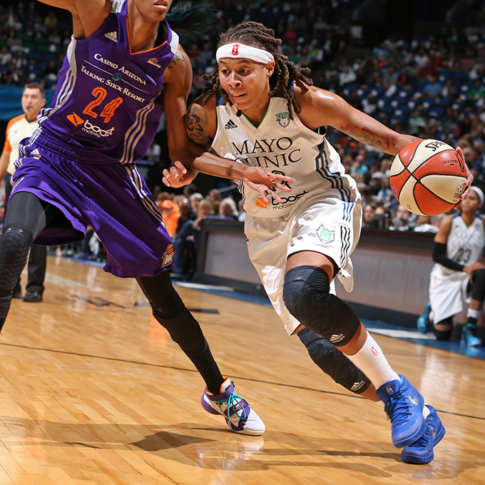 MINNEAPOLIS, MN - SEPTEMBER 24:  Seimone Augustus #33 of the Minnesota Lynx drives to the basket against the Phoenix Mercury during Game One of the WNBA Western Conference Finals on September 24, 2015 at Target Center in Minneapolis, Minnesota.  NOTE TO USER: User expressly acknowledges and agrees that, by downloading and or using this Photograph, user is consenting to the terms and conditions of the Getty Images License Agreement. Mandatory Copyright Notice: Copyright 2015 NBAE (Photo by David Sherman/NBAE via Getty Images)