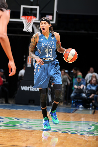 MINNEAPOLIS, MN - MAY 14: Seimone Augustus #33 of the Minnesota Lynx handles the ball during the game against the Phoenix Mercury during the WNBA game on May 14, 2016 at Target Center in Minneapolis, Minnesota. NOTE TO USER: User expressly acknowledges and agrees that, by downloading and or using this Photograph, user is consenting to the terms and conditions of the Getty Images License Agreement. Mandatory Copyright Notice: Copyright 2016 NBAE (Photo by David Sherman/NBAE via Getty Images)
