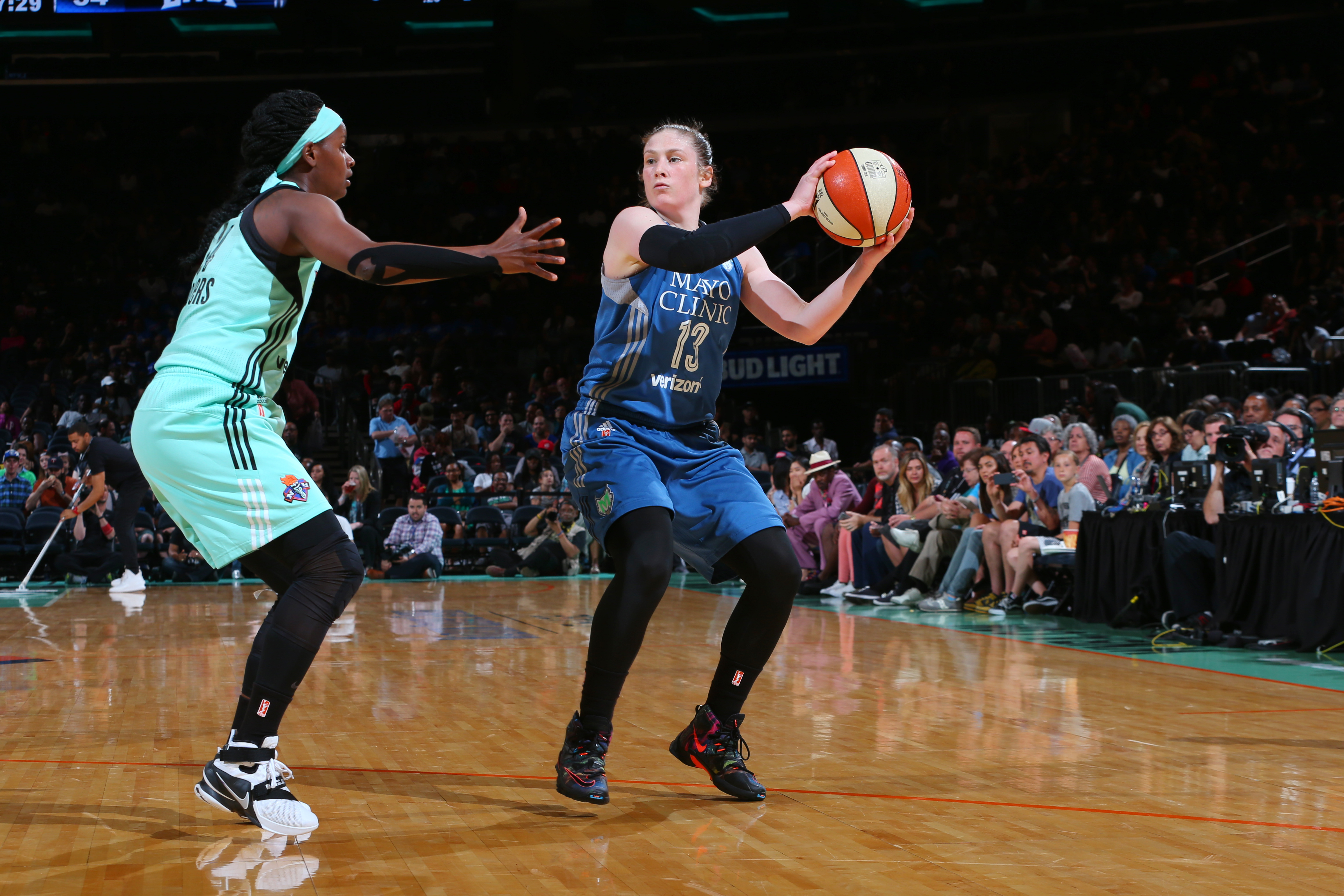 NEW YORK, NY - MAY 31: Lindsay Whalen #13 of the Minnesota Lynx defends the ball against the Minnesota Lynx during the game on May 31, 2016 at Madison Square Garden in New York, New York. NOTE TO USER: User expressly acknowledges and agrees that, by downloading and or using this Photograph, user is consenting to the terms and conditions of the Getty Images License Agreement. Mandatory Copyright Notice: Copyright 2016 NBAE (Photo by Mike Stobe/NBAE via Getty Images)